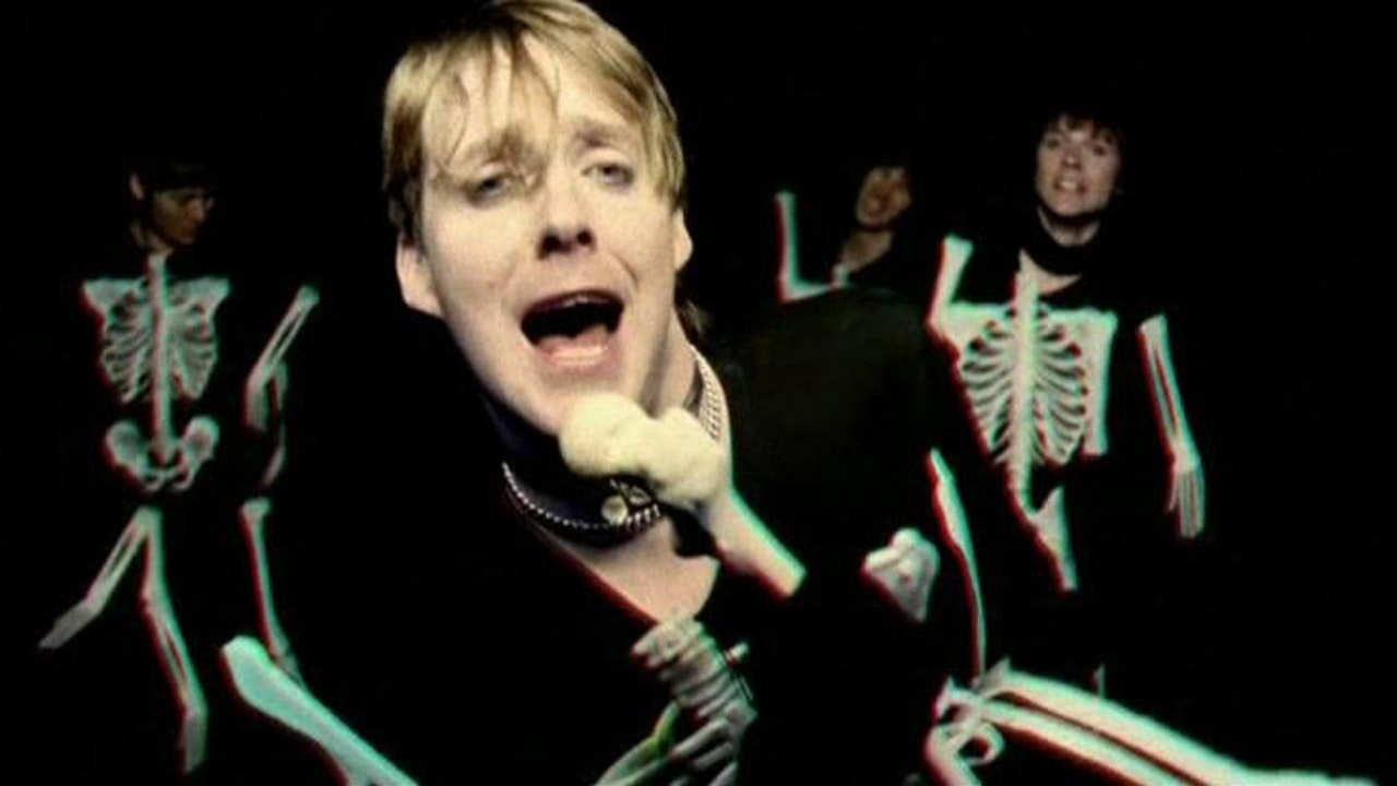 MAKING OF KAISER CHIEF'S 'EVERYDAY I LOVE YOU LESS AND LESS' VIDEO