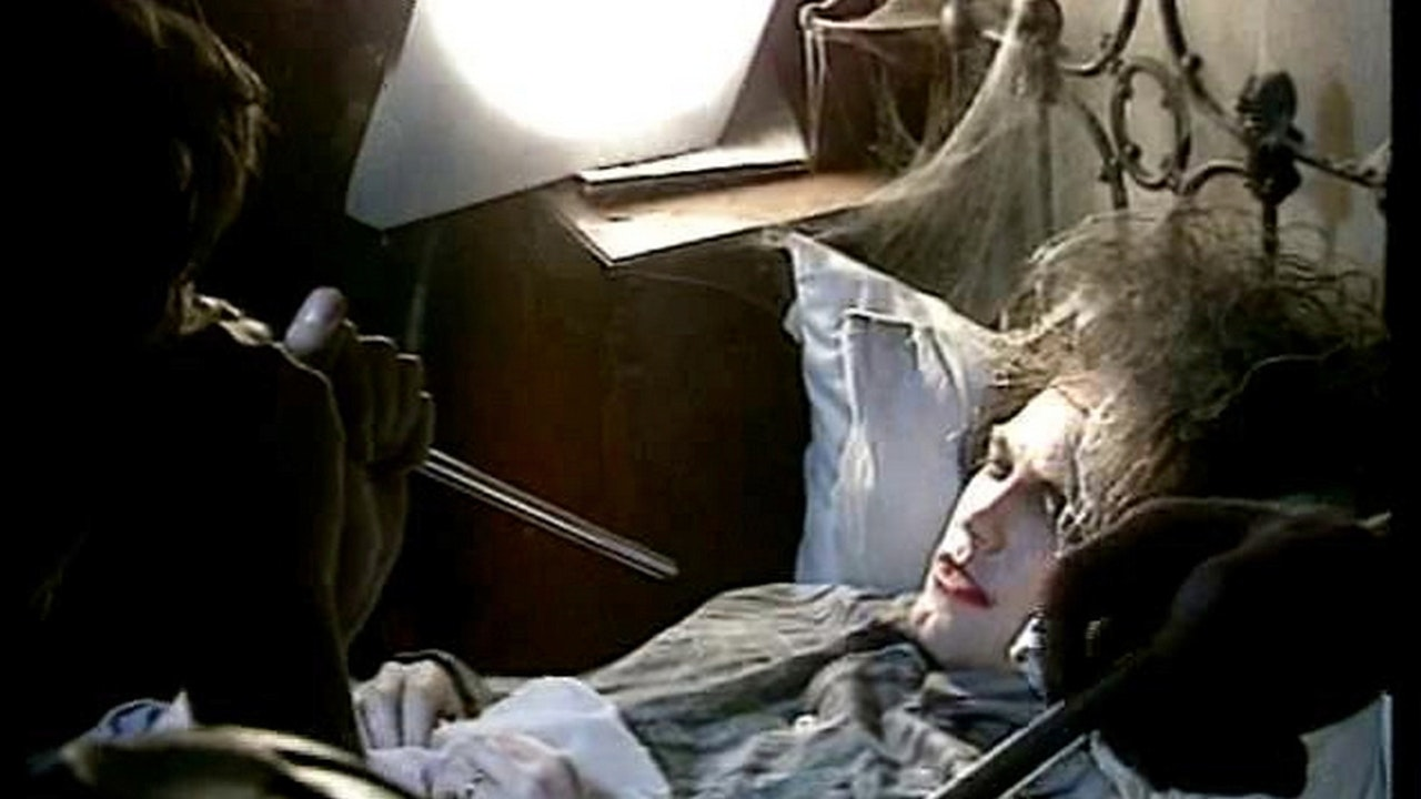 MAKING OF THE CURE'S 'LULLABY' VIDEO