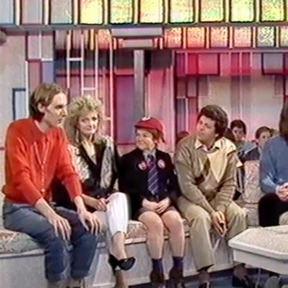 TIM POPE DIRECTOR HOME - Tim Pope on BBC's Saturday Morning Superstore w/ The Krankies...