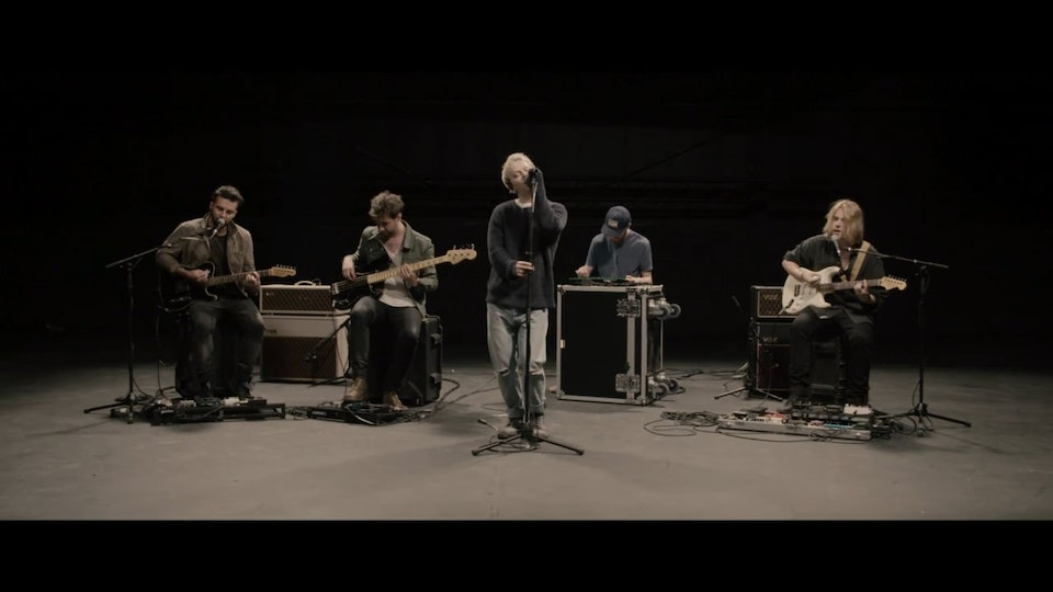 Nothing But Thieves 'Broken Machine'   Live Session