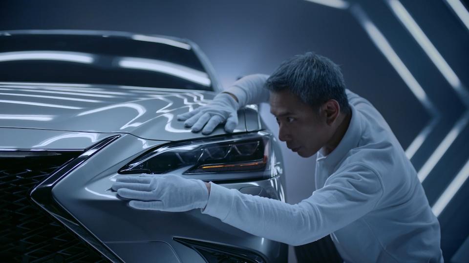 Big Buoy - Lexus ES: Driven By Intuition