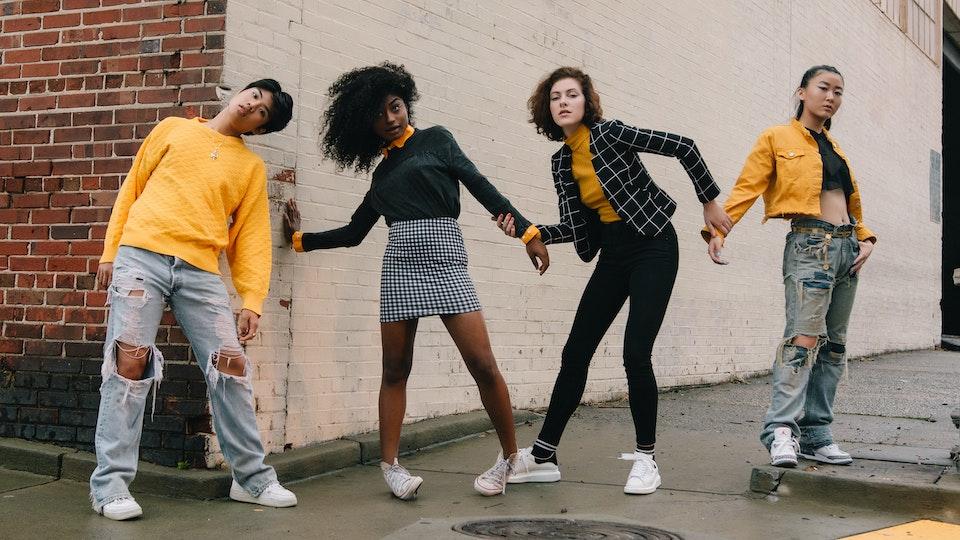 People - Humans Pt. 2 ft. India Jenee, Ryan Camesa, Vivian Laurence, Jasmine Tyberg Collaborators: Sydney Rose (Photgrapher) & Neha Shaikh (Stylist)