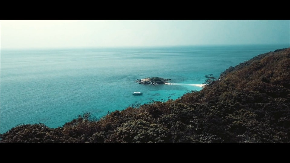 FILM - RACHA ISLAND