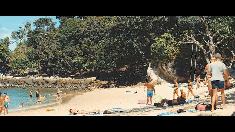 FILM - PARADISE BEACH