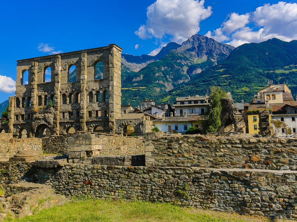 A Tog's Trek - The Roman ruins of Aosta