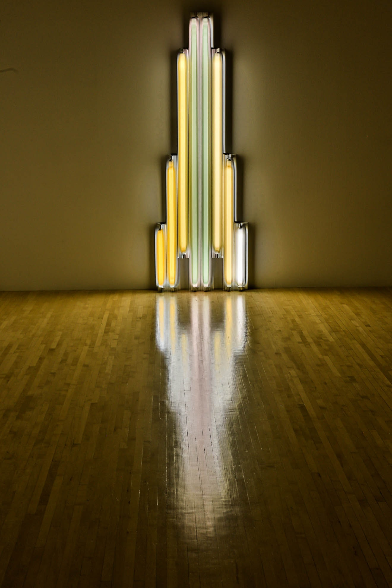 """monument"" for V. Tatlin - Dan Flavin"