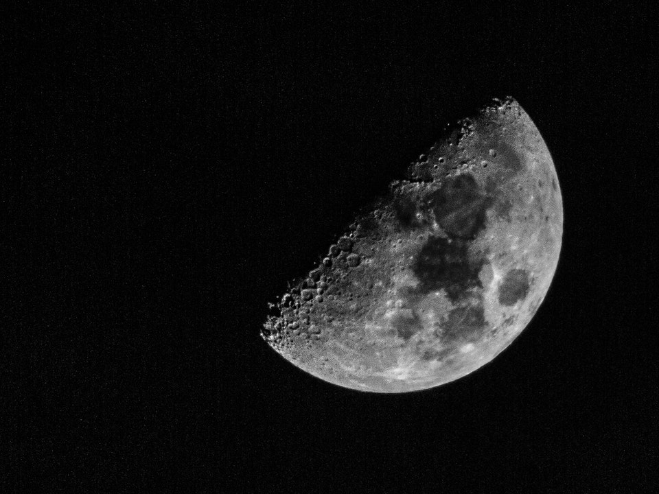 A Tog's Trek - Hand Held Moon Shots