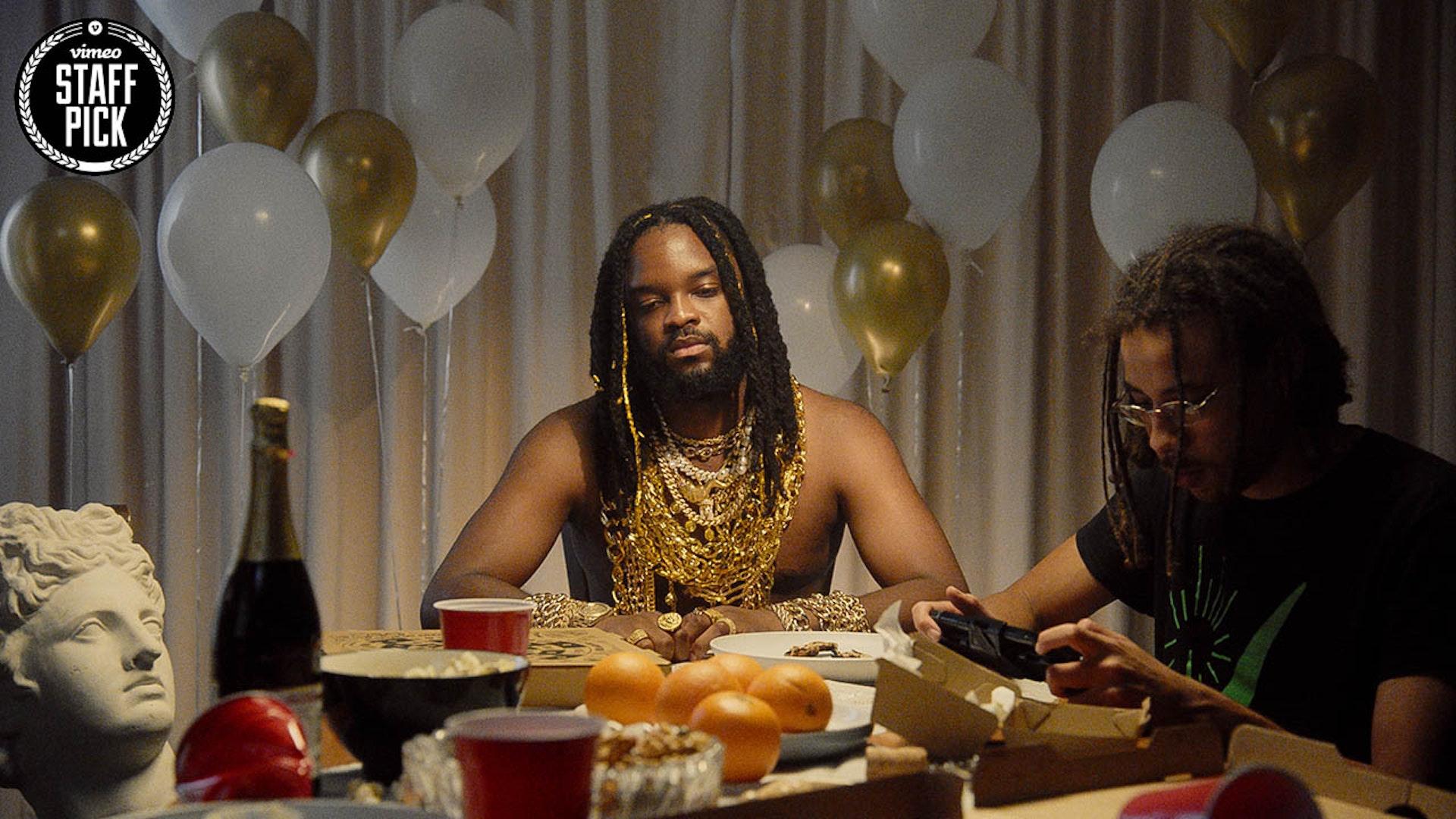 Genesis Owusu 'Gold Chains'