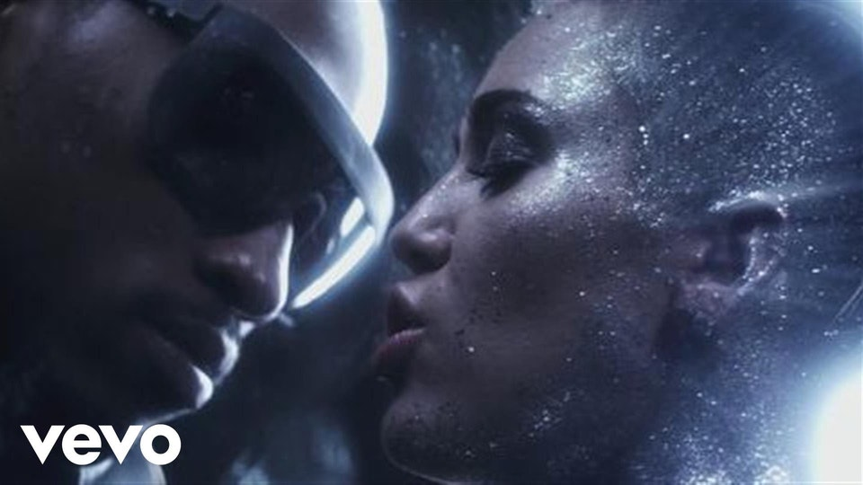 FUTURE, MILEY CYRUS - REAL AND TRUE - Director: Rankin