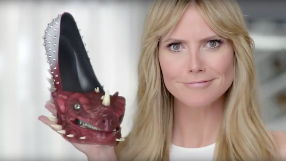DR SCHOLL'S - TAME THE SHOE