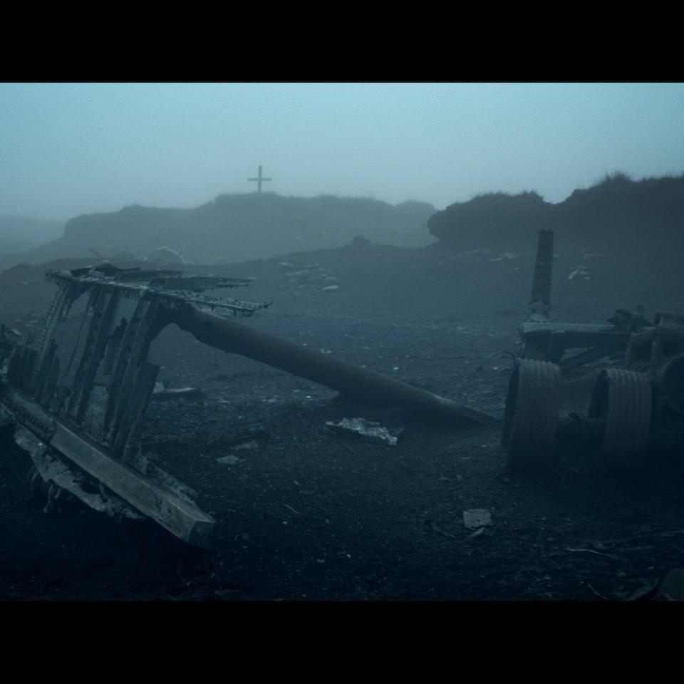 DARK PEAK (2014) - feature teaser Untitled_1.2.21