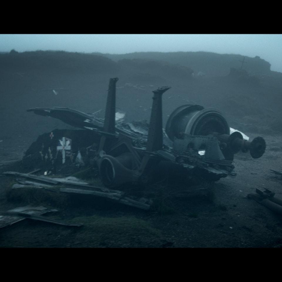 DARK PEAK (2014) - feature teaser Untitled_1.2.19