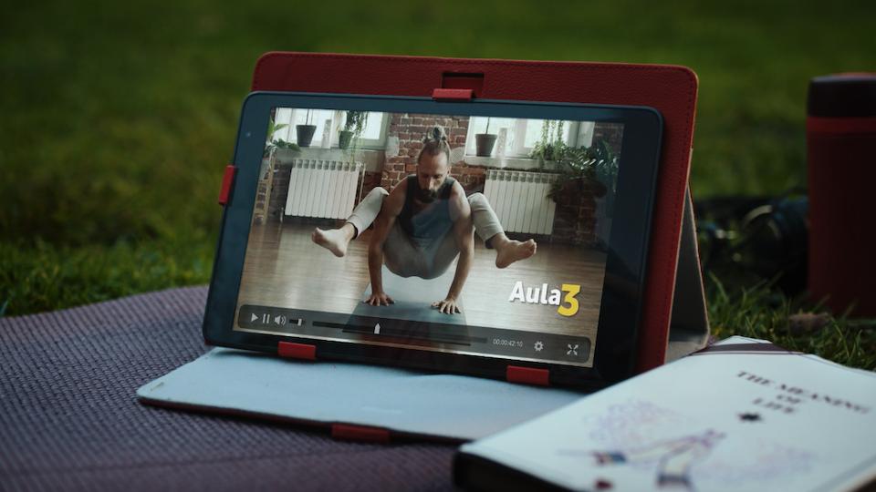 "Vodafone -  ""Streamer"" - Screen Shot 2020-03-19 at 15.33.58"