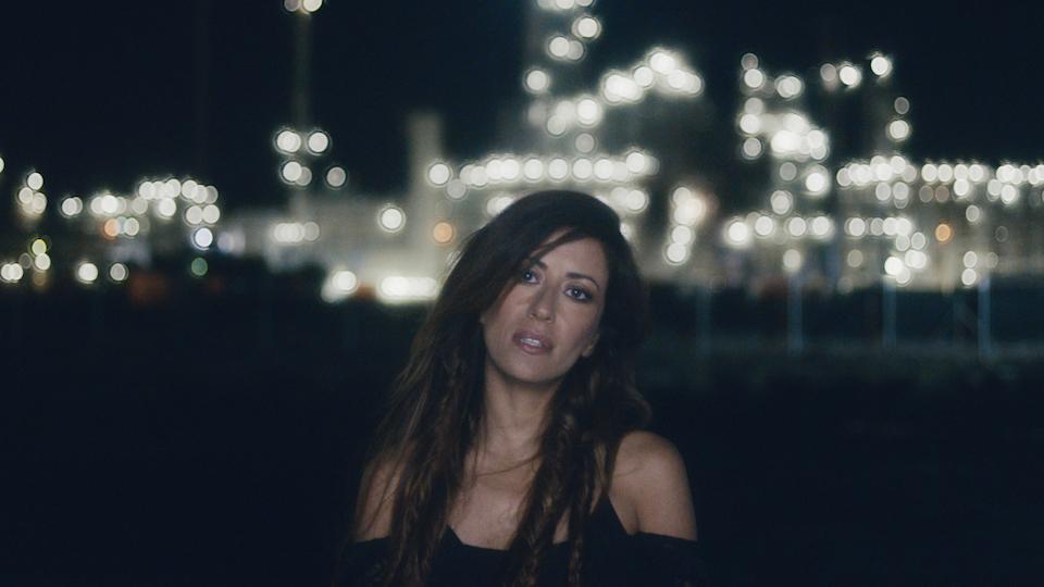 Ana Moura – Tens os Olhos de Deus - AnaMoura_TensosOlhosdeDeus.full.00_01_46_24.Still003