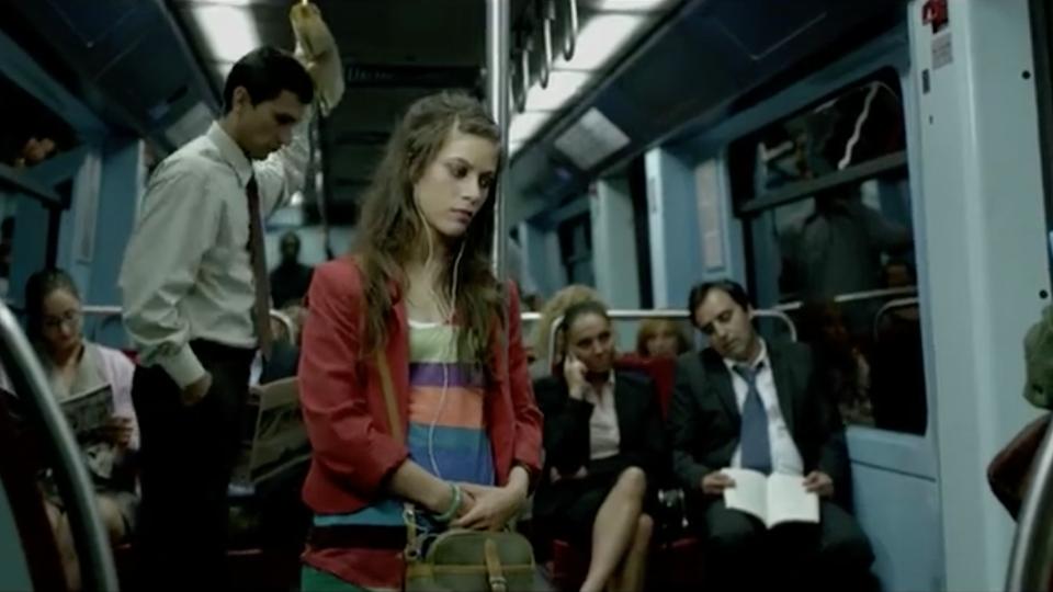 "#showoff|mola - Yoggi ""Metro"""
