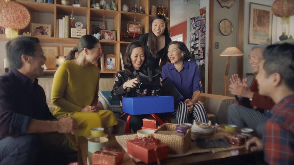 Glassworks - Samsung - 'Holiday'