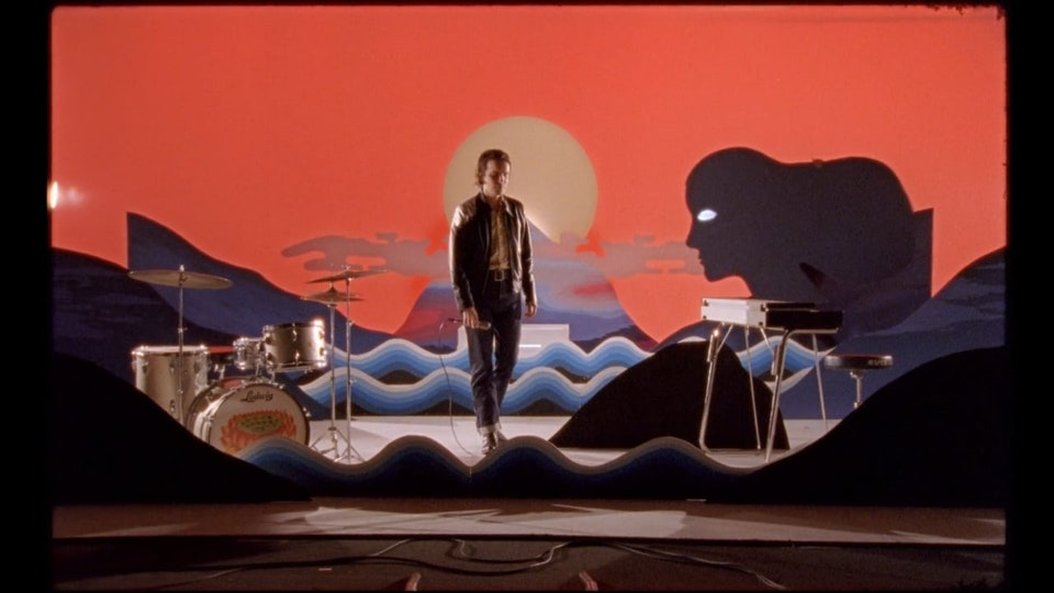 Theo Lawrence & the Hearts - Heaven to me (Music video)
