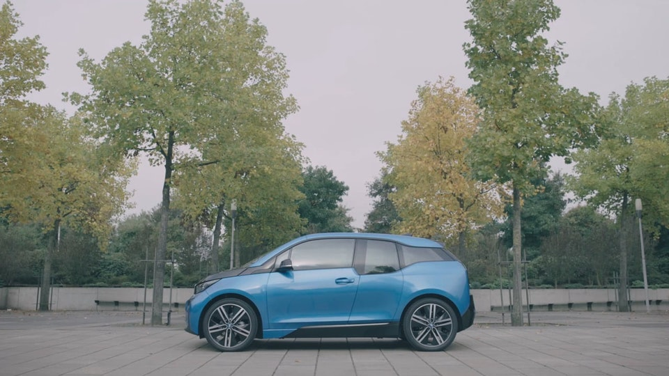 BMW i3 - BORN ELECTRIC