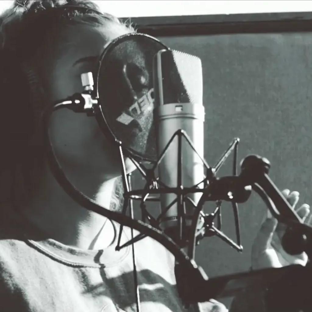 RAYE - BODY LANGAUGE | MUSIC VIDEO