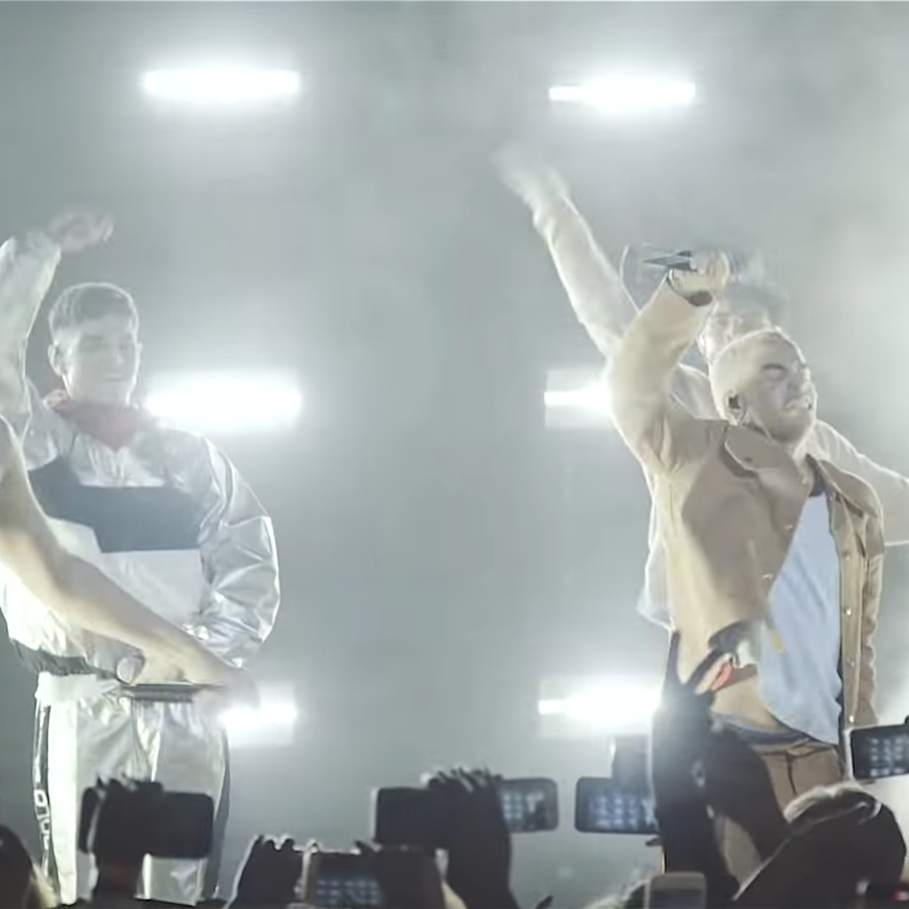 PRETTYMUCH - Phases   Live Show
