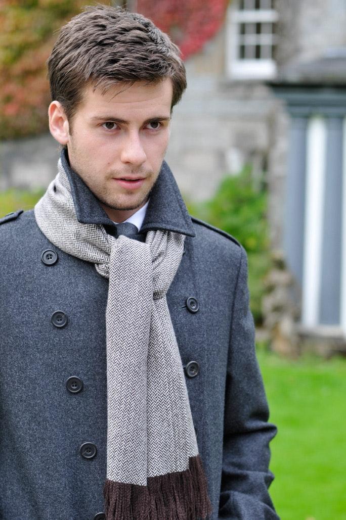 Mens' cashmere scarf -