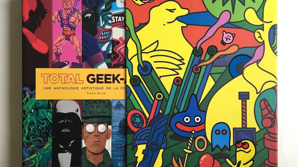 Total Geek-Art Book Cover Sleeve