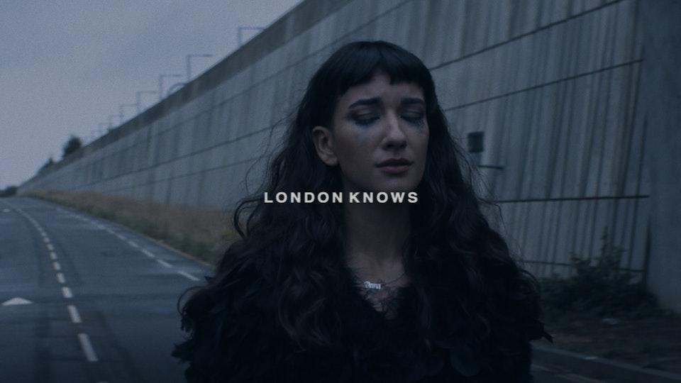 "ANNA STRAKER - ""LONDON KNOWS"""