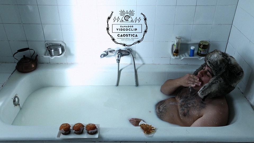 TSUNAMI FILM HOUSE - Pingüino - Amor en la cocina