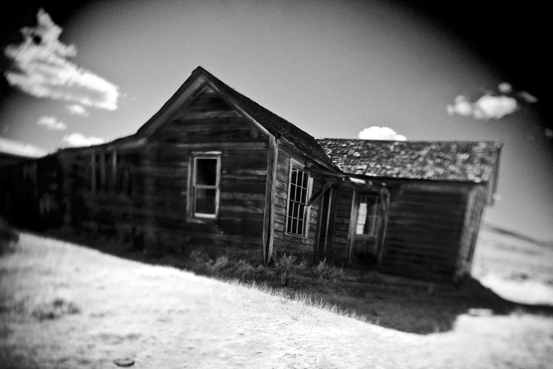bodie-thecabinb&w-33