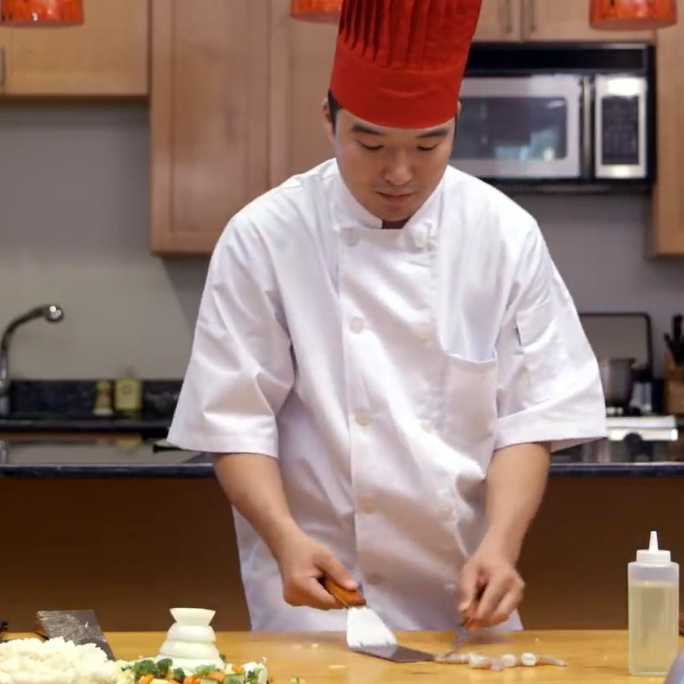 Abe Z. - CLICKHOLE | Heartbreaking: Hibachi Chef Tries To Make Meal On A Regular Table