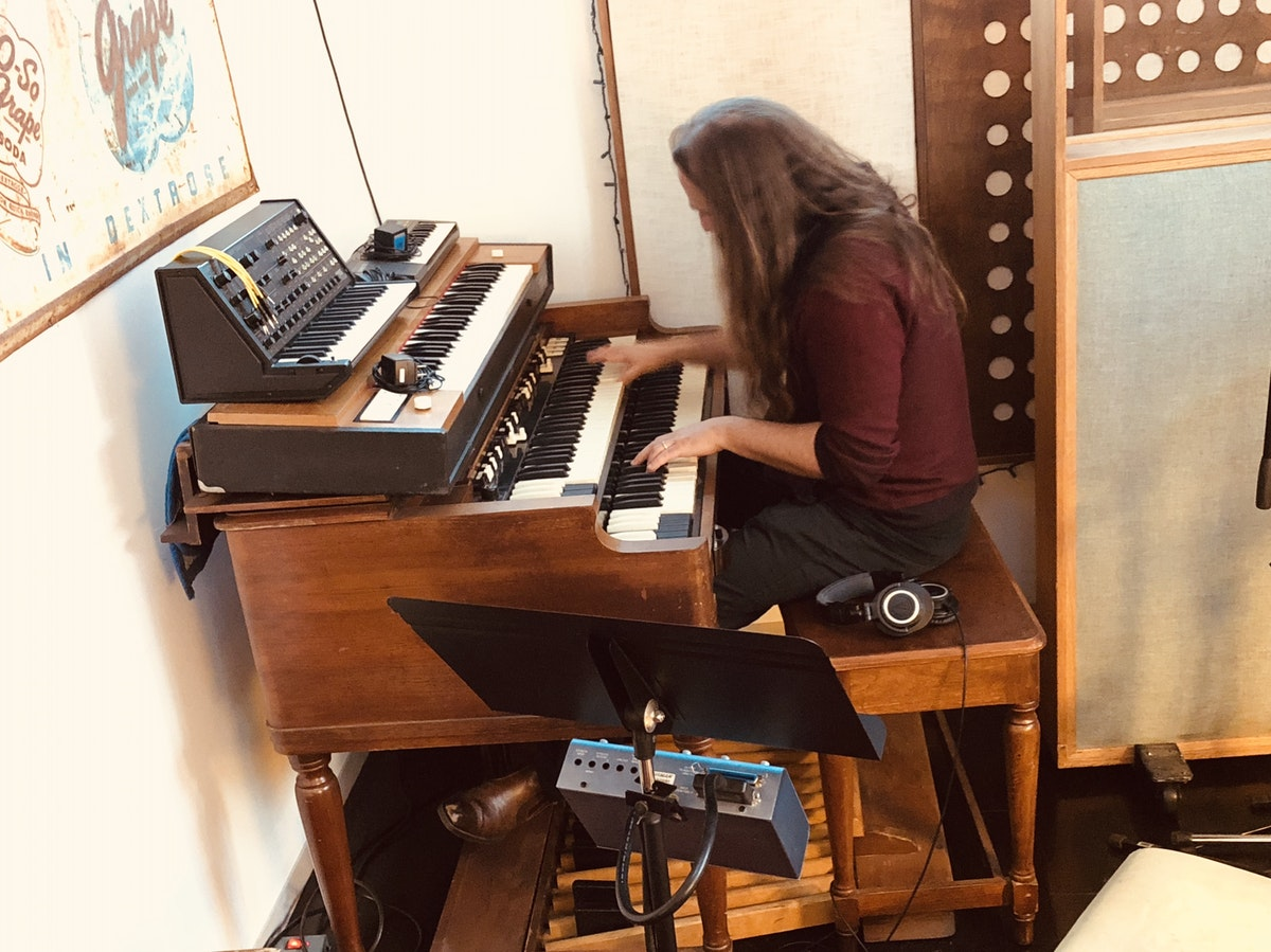 """DAVE PALMER RECORDS KEYBOARDS, PIANO, AND ORGAN AT LUCY'S MEAT MARKET FOR """"RUNAWAYS"""""""
