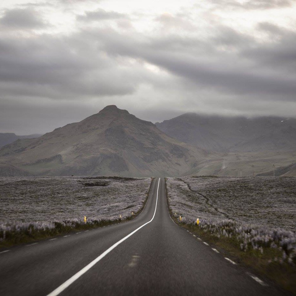 SARAH CLAVELLY - ICELAND