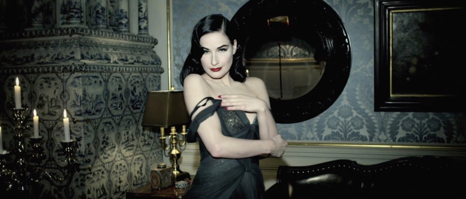 "Perrier ""Mansion"" feat Dita von Teese"