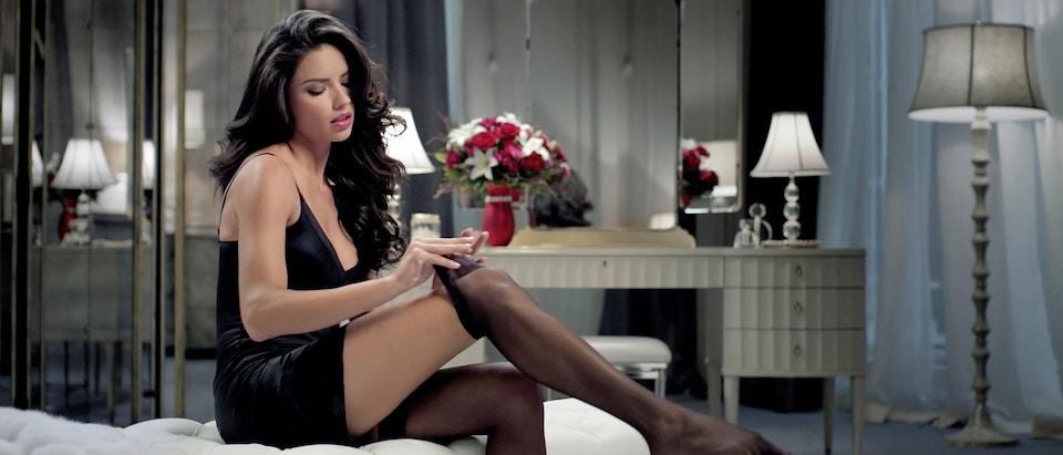 "Teleflora ""Give"" Feat Adriana Lima"