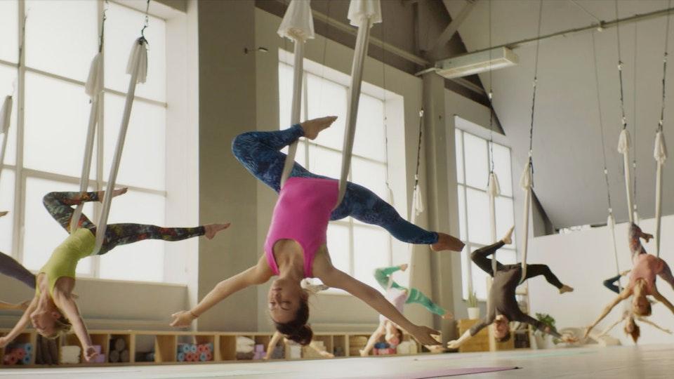 "Libresse ""Aerial Yoga"""