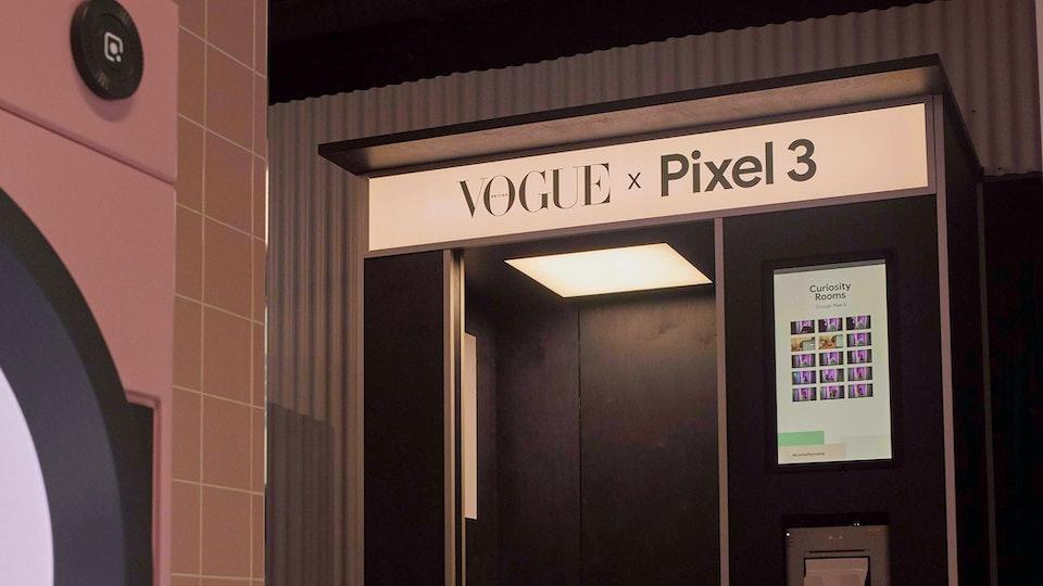 Google Pixel 3 - Outside In