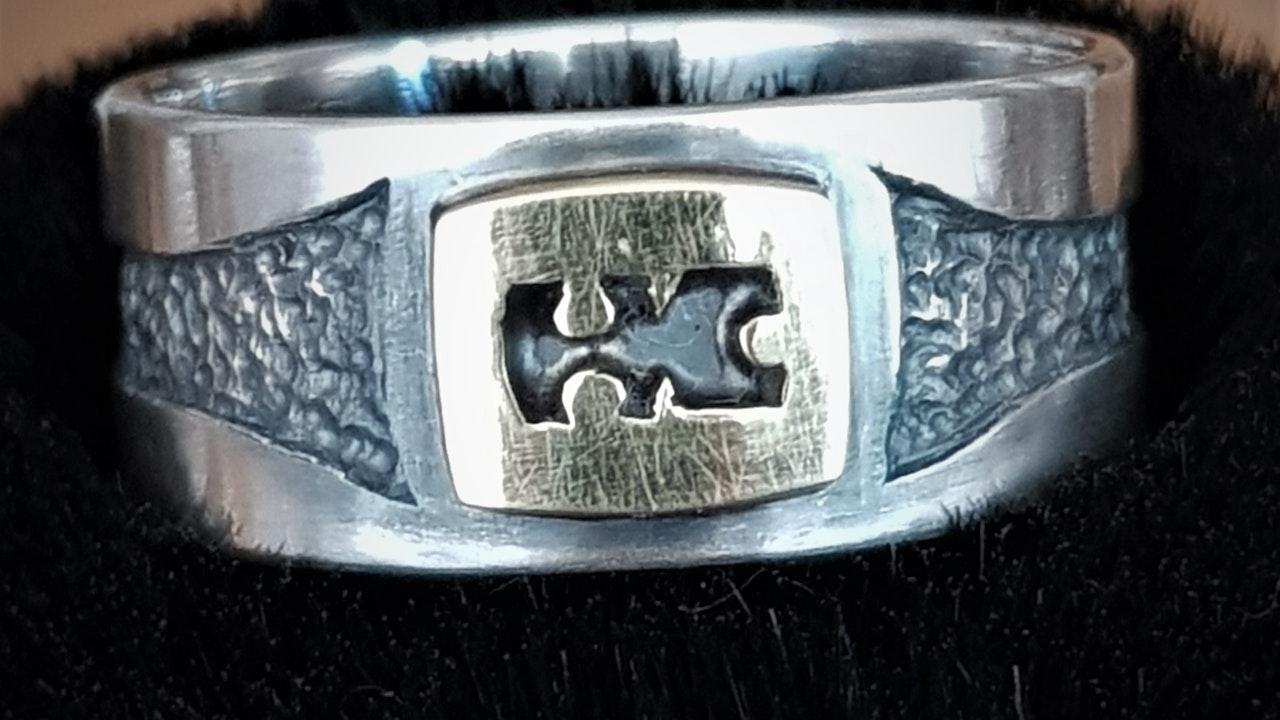 Own mark ring