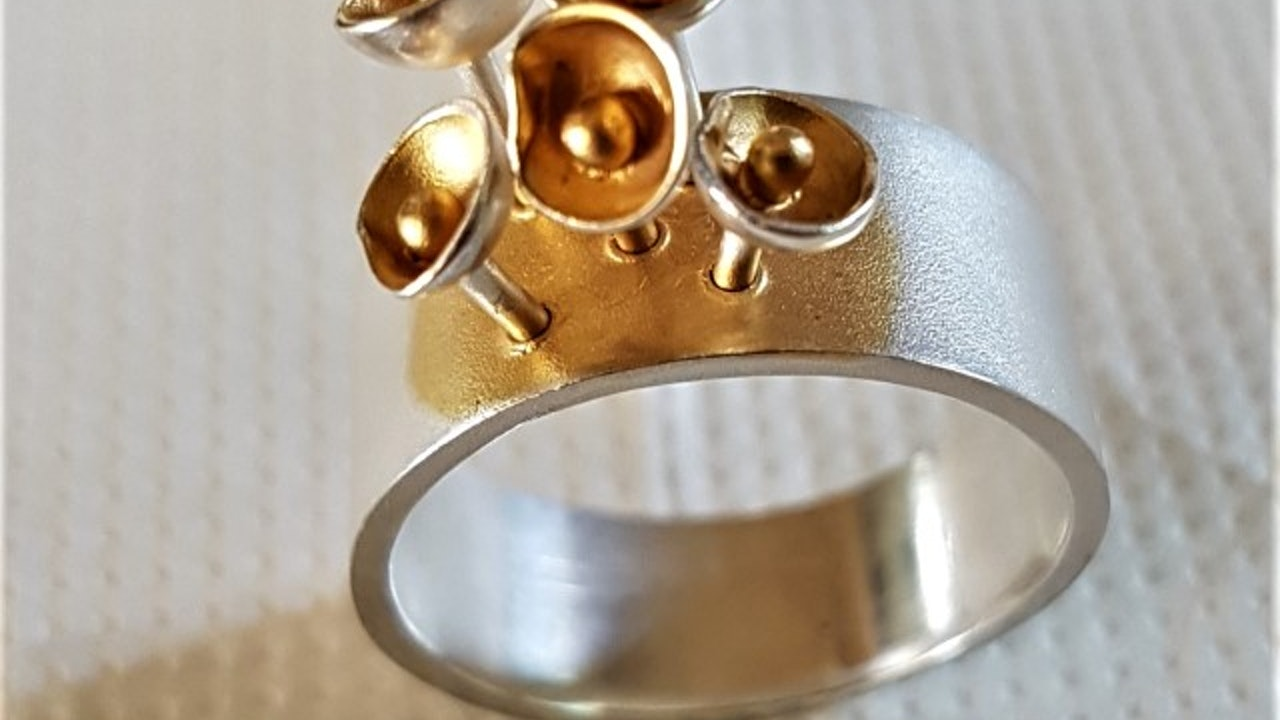 Some flowers... ring