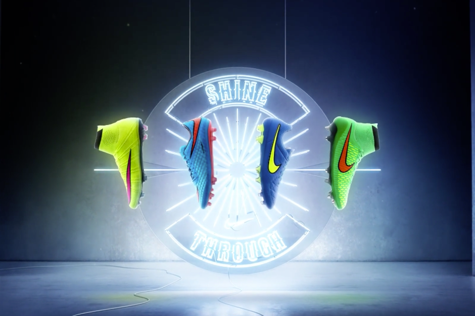 Nike: Reverse Pack