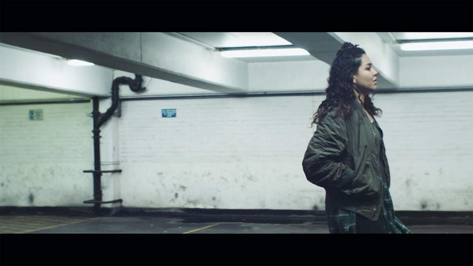 Eliza Shaddad  /  Wars - Cinematographer London | Eliza Shaddad | Wars | music video | image 3