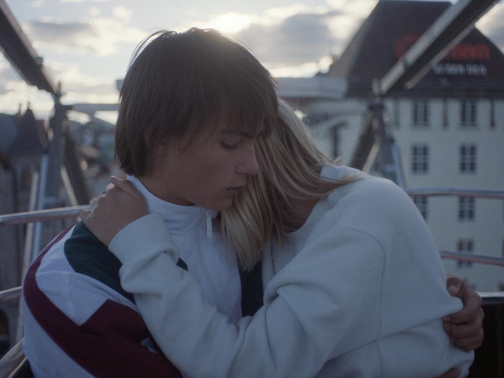 Daniel Kvammen ft. Lars Vaular - Som om himmelen revna