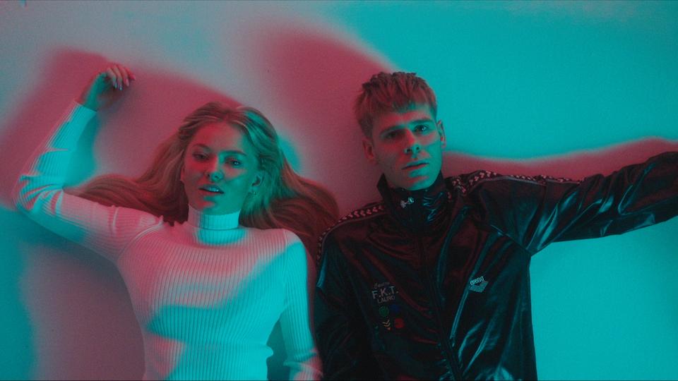 Lars Vaular ft. Astrid S - BOYS