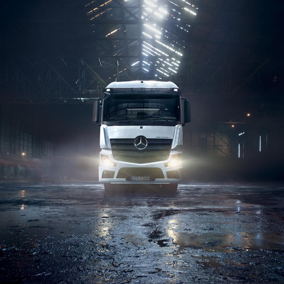 Markward Wagner C.S.I. - Mercedes Benz Trucks - Der neue Actros F