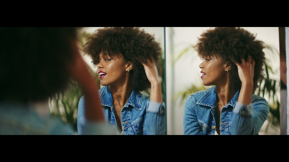 L'ORÉAL | THE BEAUTY OF COMING BACK vlcsnap-2020-07-12-18h44m54s611