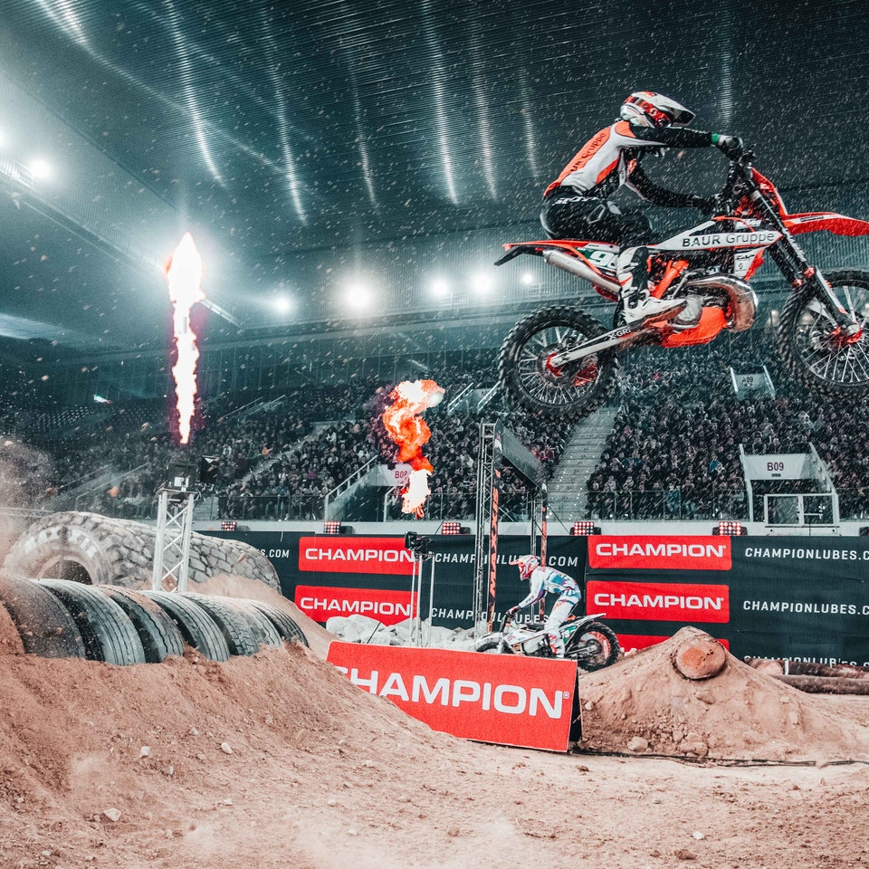 HUPPERTS AGENCY | the stage is yours - SUPERENDURO MADRID