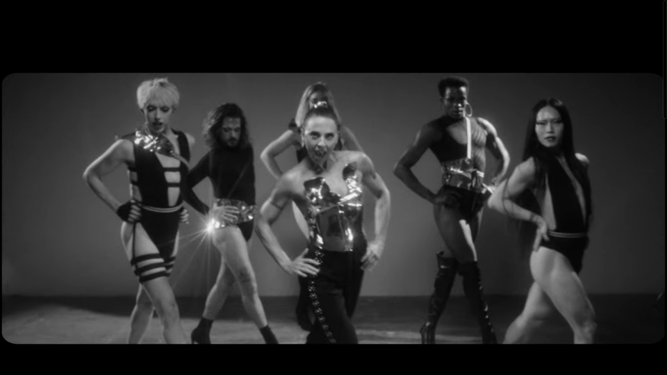 Melanie C feat. Sink The Pink - 'High Heels'