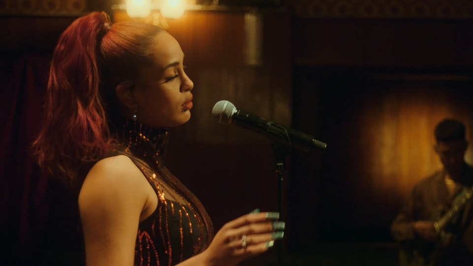 Jorja Smith - 'Home' (live for Jools Holland)