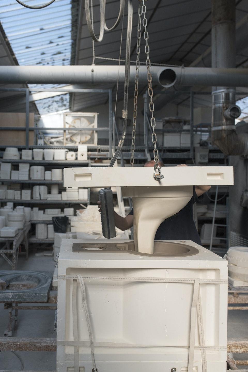 Composteur en céramique - Démoulage de toilettes.