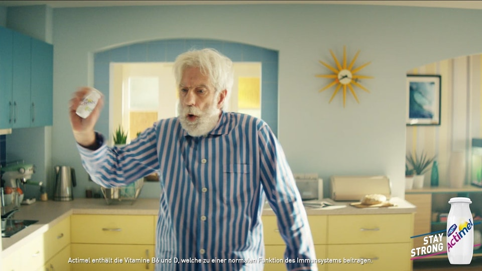 virtual republic – home of animation and visual effects - Danone - Actimel (Surfer)