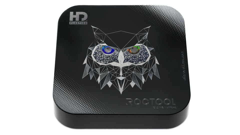 OWL BOX: Surface Design - Close up of the injected product